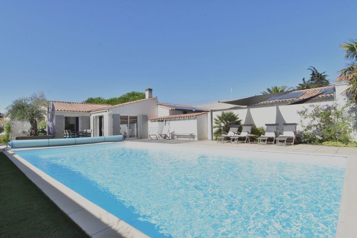 Villa avec piscine le bois plage en re  10 pers.
