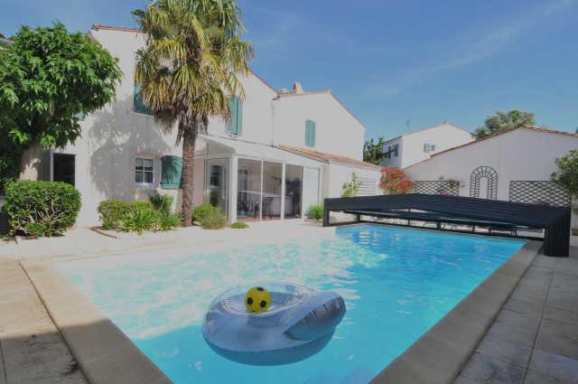 Villa avec piscine la flotte  6 pers.