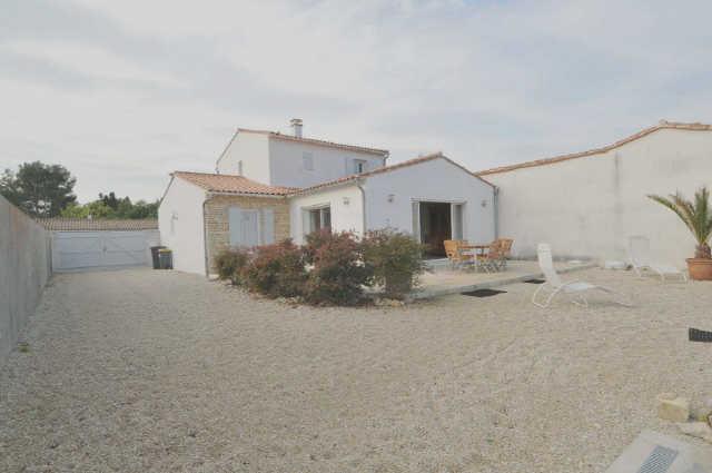 Location vacances, ile de ré, villa avec étage construction 2006, compren ...