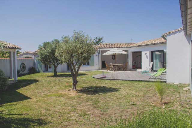 Location vacances, ile de ré, villa à la décoration raffinée située en ...