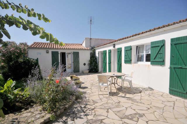 Location vacances, ile de ré, agréable villa sur une parcelle de 490m² c ...