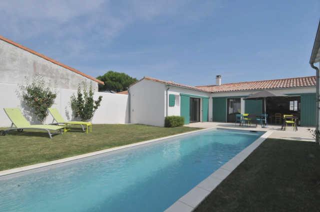 Villa avec piscine la flotte  8 pers.