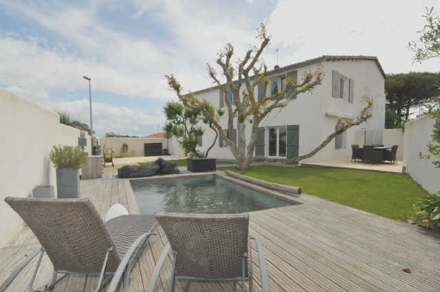 Villa avec piscine rivedoux plage  7 pers.