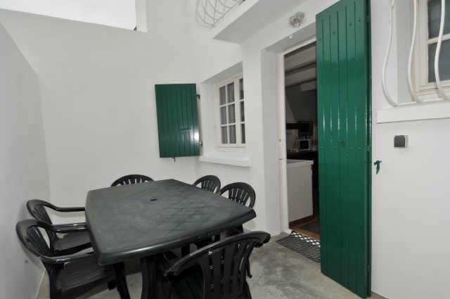 Maison de village en centre bourg rénovée en 2013 comprenant  entree 1 m� ...