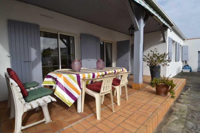 Location vacances, ile de ré, villa avec étage sur une parcelle de 1000m� ...