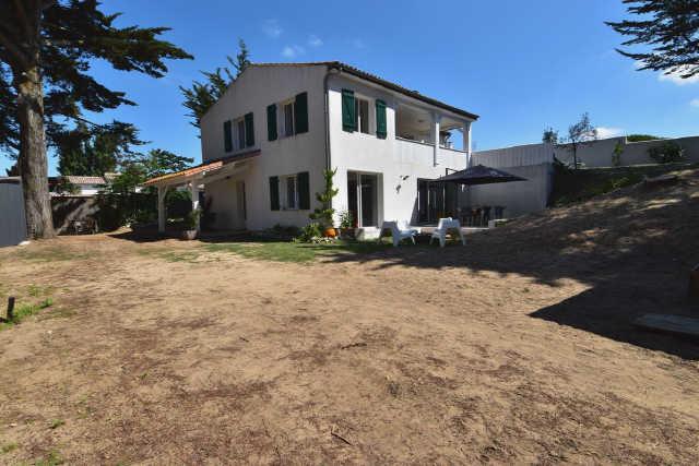 Dans le charmant village de rivedoux, villa familliale entèrement rénové ...