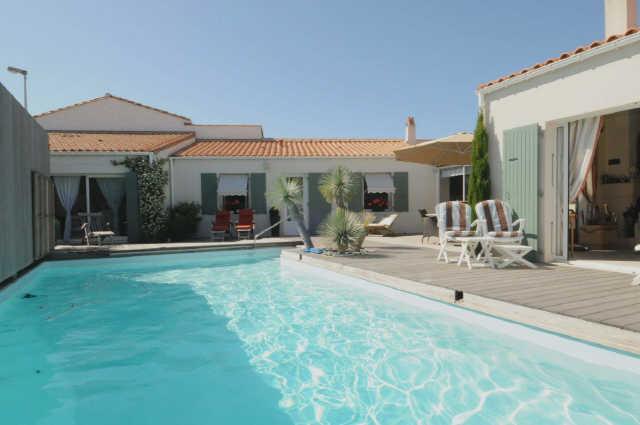 Villa avec piscine la couarde sur mer  8 pers.