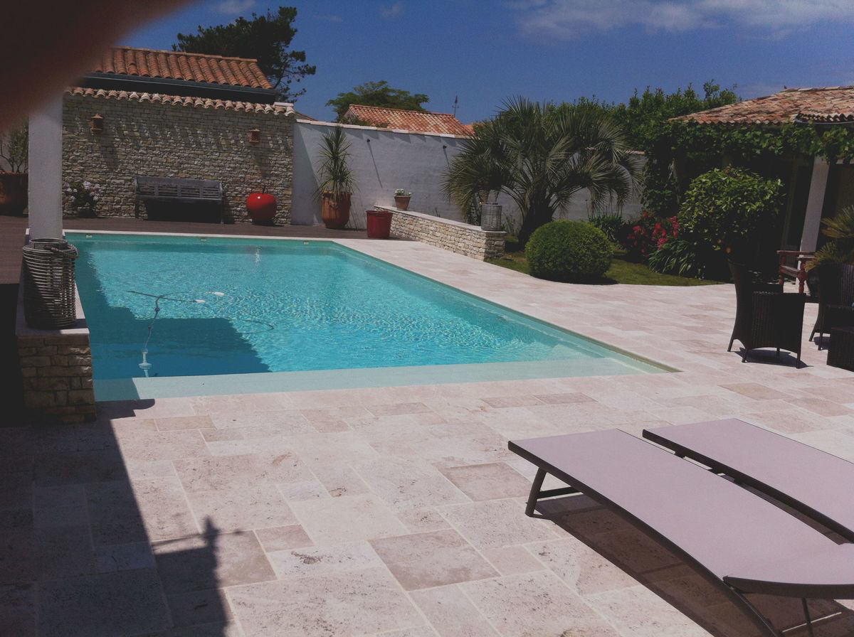 Villa avec piscine la couarde sur mer  10 pers.