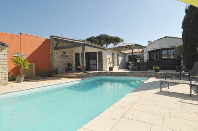 Villa avec piscine sainte marie de re  4 pers.